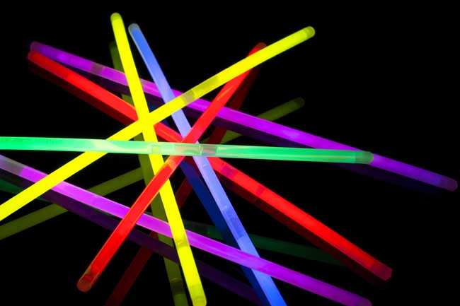 Glow sticks cause mild toxicity in cats